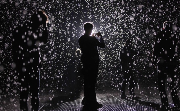 "Interactive ""Rain Room"" Exhibit Allows Visitors To Control Their Environment"