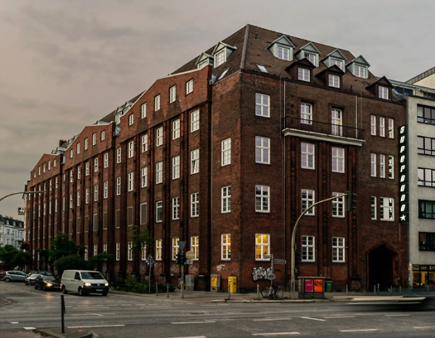 Superbude-II-hotel-hostel-by-Dreimeta-Hamburg-Germany-15