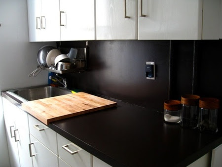 Laminate-Kitchen-Countertop-black