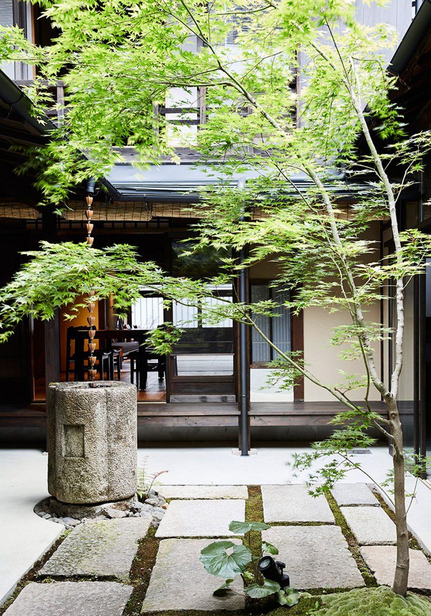maoyashi-machiya-kyoto-house-uoya-shigenori-japan-architecture-residential_dezeen_2364_col_15-852x1217