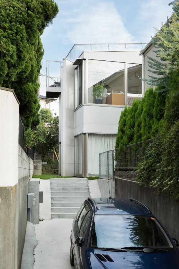 oyamadai-house-front-office-architecture-tokyo-japan-residential_dezeen_2364_col_0