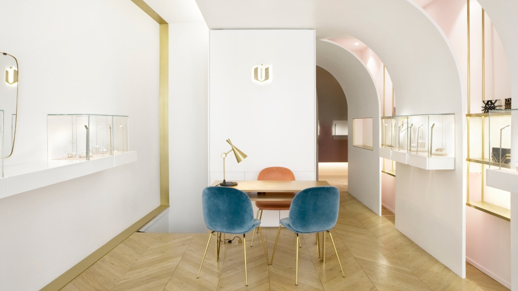 nuun-jewellery-shop-java-architectes-interiors-retail-paris-france_dezeen_hero